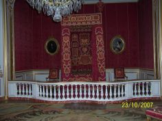 chambord chateau king's bed