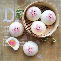 Instagram 上的 WanwanTea:「 好想去#日本 看#樱花 哦!!… 」 German Cookies, Bread Art, Bread Shaping, Steam Recipes, Steamed Buns, Cute Desserts, Moon Cake, Pastry And Bakery, Felt Food