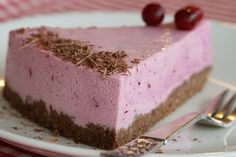This is a lighter, healthier and vegan friendly recipe for cranberry lemon cheesecake - made with delicious and nutrient packed ingredients Vegan Foods, Vegan Vegetarian, Cranberry Recipes, Lemon Cheesecake, Vegan Friendly, Healthy Recipes, Lighter, Ethnic Recipes