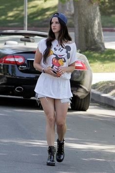 Lana Del Rey Street Style