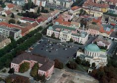 Légifotó a főtérről - Mohács - Dunántúl. Heart Of Europe, 11th Century, Sail Away, Black Sea, Hungary, Budapest, Paris Skyline, City Photo, Cathedral