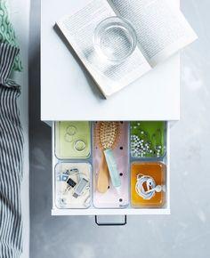 7 stylish ways to organize your dorm room - IKEA Bedside Table Organization, Kitchen Organisation, Book Organization, Bedroom Organisation, Organisation Ideas, Bedside Drawers, Bedroom Drawers, Hall Room, Student Room