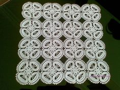 This Pin was discovered by Néd Filet Crochet, Irish Crochet, Knit Crochet, Crochet Stitches Patterns, Stitch Patterns, Diy And Crafts, Crochet Necklace, Projects To Try, Blanket