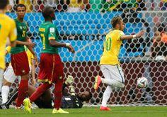 Messi e Neymar, companheiros de Barça, e 'rivais' na Copa, duelam pela artilharia (© Reuters)