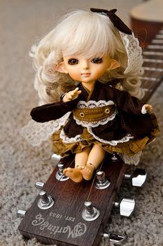 #bjd #doll #guitar