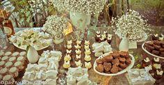 Mesa de doces  e bem casados
