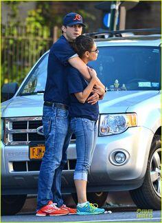 Ashton Kutcher & Mila Kunis: Chicago Bears Couple!