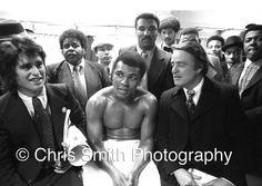 Muhammad Ali Robert Kenned jnr https://www.facebook.com/Classicsportsphotos-340734696058372/timeline/