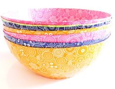 nl -Shwe Shwe African print bowls - made by HIV positive women in Sout Africa as an income generation program - empowerment - handmade - fair trade - win win situation Awesome Art, Cool Art, South African Design, Hiv Positive, Horn Of Africa, Paper Mache Crafts, Textile Prints, Fair Trade, Workplace