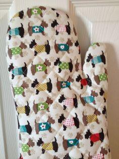 M&Co. Scottie Scottier Terriers Dog in Jackets & Sweaters Oven Mitt NWT