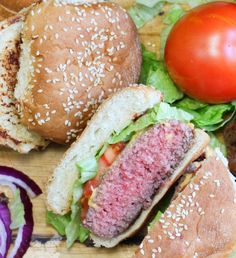 Sous Vide Burgers - Perfect Burgers Every Time! - The Spicy Apron Burger Recipes, Appetizer Recipes, Beef Recipes, Healthy Recipes, Delicious Recipes, Healthy Food, Dinner Recipes, Hamburgers, Sous Vide Hamburger