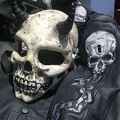 skull helmet from deviltail customs