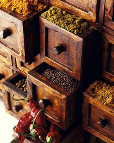 put plastic containers with lids inside the apothecary drawers to store dried herbs and spices. Spice Drawer, Spice Storage, Spice Organization, Spice Racks, Kitchen Storage, Spices And Herbs, Saveur, Kraut, Food Styling