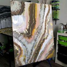 Diy Resin Art, Diy Resin Crafts, Epoxy Resin Art, Diy Art Projects Canvas, Diy Canvas Art, Acrylic Pouring Art, Acrylic Art, Glitter Wall Art, Resin Tutorial