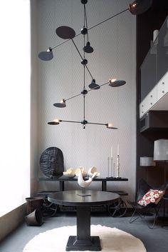 Home Interior Inspiration Jose Esteves Mobile chandelier Interior Desing, Home Interior, Interior Lighting, Home Lighting, Modern Lighting, Lighting Design, Pendant Lighting, Luxury Interior, Lighting Ideas