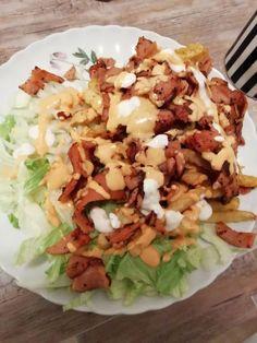 Lenkkimakkarasta syntyy helposti köyhän miehen kebab Cobb Salad, Tacos, Rice, Cooking Recipes, Mexican, Ethnic Recipes, Food, Healthy, Chef Recipes