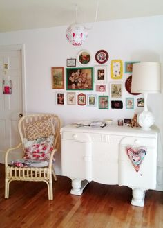 dottie angel: a vignette of a life. Granny Chic Decor, Living Room Decor, Living Spaces, Dottie Angel, Home Board, Happy House, Home Decor Inspiration, Decoration, Home Projects