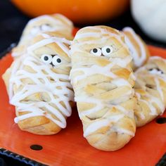 One of my favorite little Halloween snacks are classic Mummy Dogs (which you can see in this post, full of easy Halloween Party food ideas).  I wanted to think of a way to make a sweet version with that same concept.  I immediately thought of my Easy Breakfast Braid (warning: one of our very very …