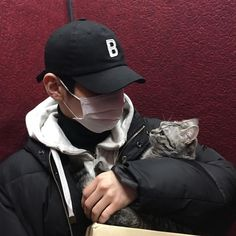Find images and videos about boy, guy and ulzzang on We Heart It - the app to get lost in what you love. Korean Boys Hot, Korean Boys Ulzzang, Ulzzang Boy, Korean Men, Asian Boys, Asian Men, Beautiful Boys, Pretty Boys, Boy Cat