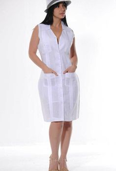 This guayabera dress is about to become a summer staple in my wardrobe!