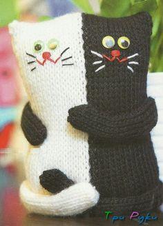 Crochet cat pillow pattern 48 Ideas for 2019 Chat Crochet, Crochet Cat Toys, Knitted Cat, Knitted Dolls, Crochet Home, Crochet Baby, Crochet Cushions, Sewing Pillows, Crochet Pillow