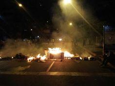Manifestantes se mantienen a la altura del Fridays en #Altamira, continúan los enfrentamientos 6:45pm #12M 12-03-2014
