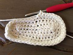 Crochet Baby Flip Flops Free Pattern | Annoo's Crochet World