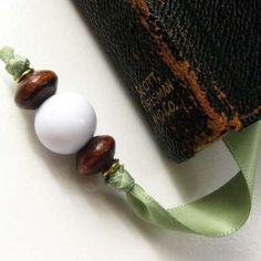 Simple beaded bookmark