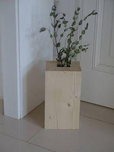 drevita / Drevená váza Living Room, Table, Furniture, Home Decor, Decoration Home, Room Decor, Home Living Room, Tables, Home Furnishings