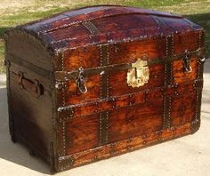 Antique Barrel Stave Trunk  Nice Dome  Tray - Large  Circa 1869  $700