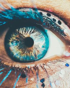 """{{Reagan eyes}} - - - — """"Behind the most beautiful eyes, lay secrets deeper and darker than the mysterious sea. Beautiful Eyes Color, Pretty Eyes, Cool Eyes, Eye Photography, Creative Photography, Amazing Photography, Photo Oeil, Rare Eyes, Fotografia Macro"""