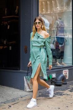Blogger street style / Fashion Week street style #fashion #womensfashion #streetstyle #ootd #nyfw #style #minimalfashion / Pinterest: @fromluxewithlove