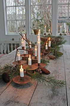 Christmas table decorations – Rustic christmas – Christmas tablescapes – Christmas decorations – – The Best DIY Outdoor Christmas Decor Noel Christmas, Country Christmas, All Things Christmas, Christmas Crafts, Christmas Design, Christmas Ideas, Christmas 2019, Christmas Tablescapes, Christmas Table Decorations