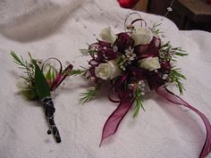 Corsages/Boutonnieres - WRC35 | Fowler's Florist & Gifts