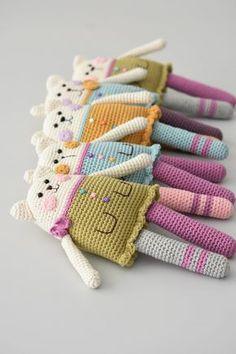 Crochet Amigurumi Dolls Rag doll cat pattern is published Crochet Doll Pattern, Cat Pattern, Crochet Toys Patterns, Amigurumi Patterns, Stuffed Toys Patterns, Cat Amigurumi, Doll Patterns, Poncho Patterns, Henna Patterns