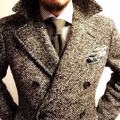 Magnifique manteau en tweed à chevrons #mode #look #style #chic #dandy #manteau…