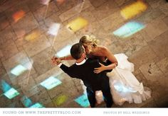 Couple dancing.Image by Bell Wedding.