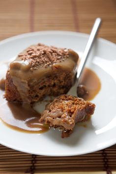 Sticky Toffee Pudding Cake with Caramel Sauce Dessert Recipe Pudding Au Caramel, Sticky Toffee Pudding Cake, Toffee Cake, Figgy Pudding, Sweet Recipes, Cake Recipes, Dessert Recipes, Apple Recipes, Yummy Treats