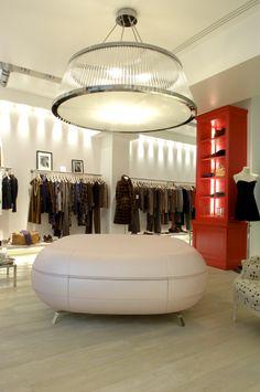 75 rue des Saints-Pères, 75006 Paris - France #tarajarmon #store #merchandising #France