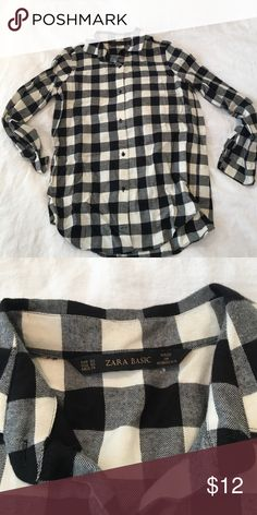Zara buffalo check button-up, size XS Classic button up shirt with a relaxed fit in a black and white buffalo check. Zara Tops Button Down Shirts