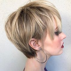 Edgy Long Pixie for Fine Hair Due to its varied lengths, the long, layered pixie looks cool and edgy. The random shorter layers throughout generate some extra thickness around the crown. Short Blunt Haircut, Pixie Bob Haircut, Longer Pixie Haircut, Best Short Haircuts, Pixie Haircuts, Pixie Bangs, Haircut Long, Long Pixie Cuts, Short Hair Cuts
