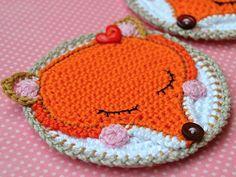 Crochet fox coaster pattern DIY by VendulkaM on Etsy Crochet Fox, Crochet Animals, Diy Crochet, Crochet Crafts, Crochet Projects, Diy Projects, Crochet Coaster Pattern, Crochet Motif, Crochet Patterns