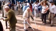 Adana merkez patlıyor herkes yaşlı amca versiyonu hiper komik :D  www.videosokagi.com