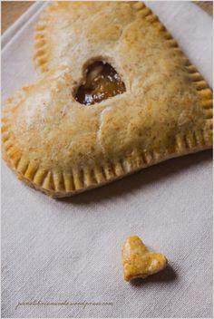 Hand pie alle mele e pinoli - Apple and pine seeds Hand Pies