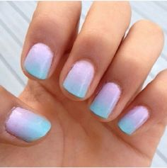 La delicadeza en 13 nail arts esponjosos Apuesto a que ya tienes bien claro que las esponjas sirven para remover la suciedad. La pregunta es: ¿tenías idea de que también pueden ser muy útiles para crear una verdadera obra de arte en tus uñas?Estos son los nail arts esponjosos que más nos han gustado...https://instagram.com/p/1nvDbhCBtb/1. Marinohttps://