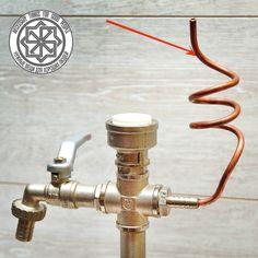 Система отвода воздуха не допустит создания вакуума и напиток свободно будет наливаться в бокал.
