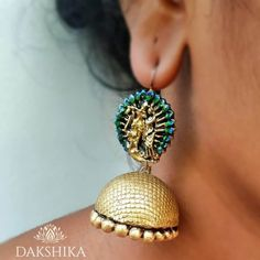 These Trendy And Stunning Terracotta Jhumkas Are For The Quirky Bride-To-Be. For more such wedding jewellery inspirations, stay tuned with shaadiwish. Indian Jewelry Earrings, Unique Earrings, Wedding Jewelry, Unique Jewelry, Jewelry Design, Gold Jewelry, Terracotta Earrings, Terracotta Jewellery, Wedding Jewellery Inspiration