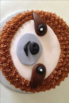 oh man, this cake. when ashley contacted me about a sloth cake for her best frie. Oh Mann, d Deco Cupcake, Cupcake Cakes, Fancy Cakes, Cute Cakes, Sloth Cakes, Carrot Cream, Animal Cakes, Creative Cakes, Let Them Eat Cake