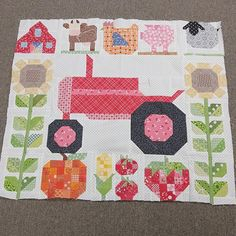 """"""" Looky at this adorable little Farm Girl Vintage quilt!!! It's made by @sewbella50 and I love it:)...great job Fran!  #beeinmybonnet #farmgirlvintage…"""""""