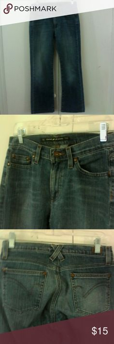 DKNY Straight Leg Blue Denim Jeans 4 Ludlow This is a pair of jeans by DKNY in a size ,4 Cotton spandex fabric Straight leg, 5 pocket style Med wash denim blue in color In excellent used condition DKNY Jeans Straight Leg